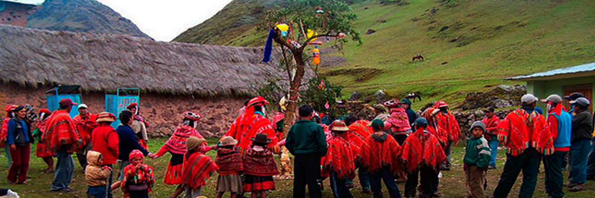 Lares trek Community